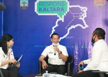 Asisten I Provinsi Kaltara, Datu Iqro Ramadhan saat menjadi narasumber Respons Klatara, Rabu (10/6). Foto : Humas Provinsi Kaltara