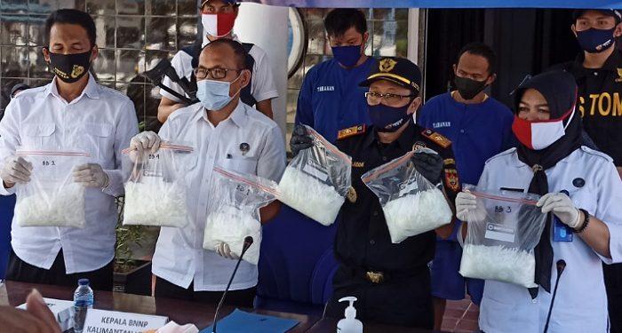 BNNP Kaltara Gelar Pres Release Pengungkapan Sabu-Sabu 6 Kilogram di Kantor BNNP Kaltara. Foto:fokusborneo.com