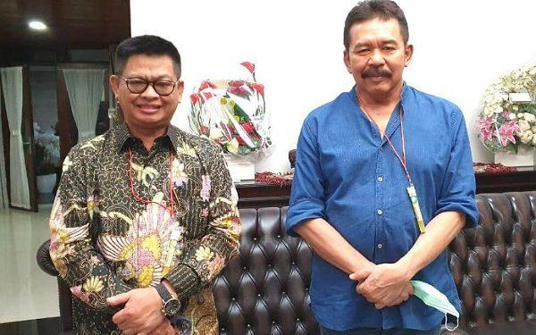 Gubernur Kaltara Dr. H Irianto Lambrie saat berfoto bersama Jaksa Agung RI, ST Burhanuddin. Foto : Humas Provinsi Kaltara