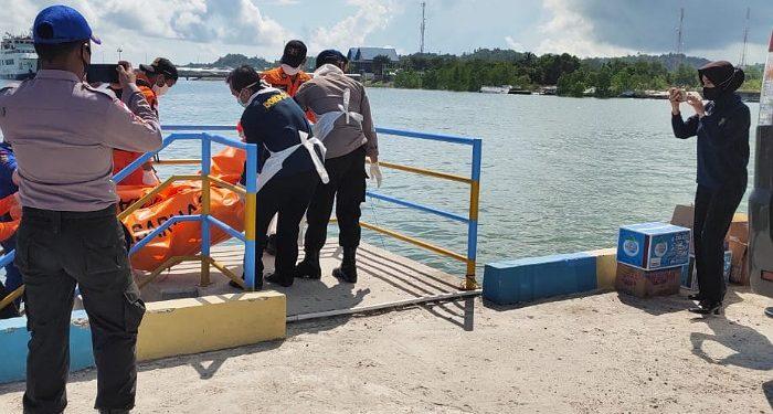 Tim SAR Evakuasi Jenazah Bharatu Donni Budi Santoso. Foto: Istimewa