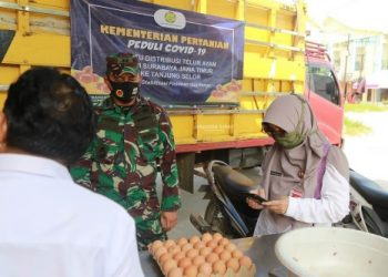 Bantuan telur ayam dari Kementan RI dijjual dengan harga lebih murah di pasaran. Foto : Humas Pemprov Kaltara