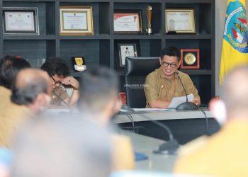 Gubernur Kaltara, Dr H Irianto Lambrie saat memberikan pengarahan kepada 16 lulusan IPDN Tahun 2020 angkatan ke-27, Senin (3/8) pagi.Foto:Humas Pemprov Kaltara