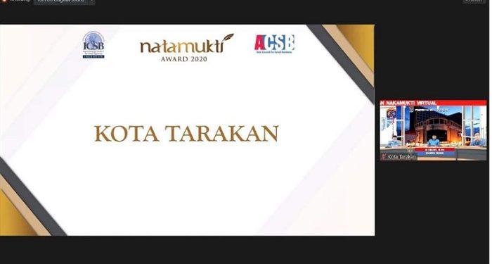 Pemkot Tarakan Raih Piala Natamukti Tahun 2020 dari Kementerian Koperasi dan UKM RI. Foto: Humas Pemkot Tarakan