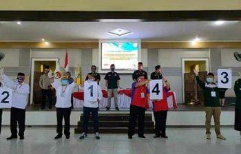 Pencabutan nomor urut paslon Bupati dan Wakil Bupati Tana Tidung di Gedung Pendopo Djaparudin, Desa Tideng Pale, Tana Tidung, Kamis (24/9). Foto : Istimewa