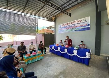 Walikota dr. H. Khairul, M.Kes membuka pelatihan pengolahan dan pengemasan bandeng tanpa duri di Kelurahan Juata Permai, Minggu (27/9). Foto : Humas Pemkot Tarakan