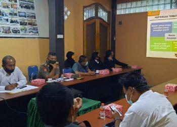 Rakor Bawaslu Kota Tarakan dengan KPU, Kepolisian Polres Tarakan, Satpol PP, BPDB dan Paslon di kantor Bawaslu Kota Tarakan tentang pengawasan kampanye, Senin (28/9). Foto : Istimewa
