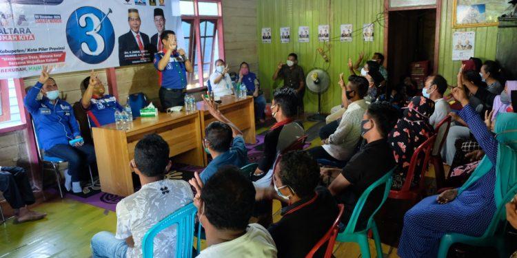 Calon wakil gubernur nomor urut 3, Yansen TP saat berada di Baratan Kabupaten Bulungan. Foto: TMC ZIYAP