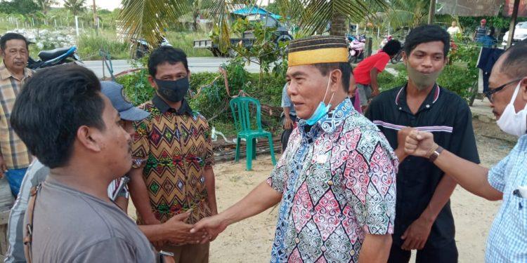 Cagub Kaltara nomor urut 3, Drs. H.Zainal Arifin Paliwang SH. M.Hum saat sambangi warga Binalatung, Kel. Pantai Amal Kota Tarakan. Foto: TMC ZIYAP
