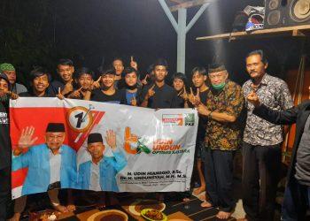 DUKUNGAN: Relawan  Pemuda OK memberi dukungan dan siap menangkan Udin Hianggio dan Undunsyah. Foto : Istimewa