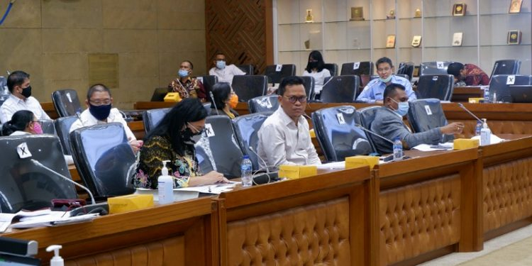 Wakil Ketua Komite II DPD RI Hasan Basri mengawal pembahasan RUU Omnibus Law. Foto : Istimewa