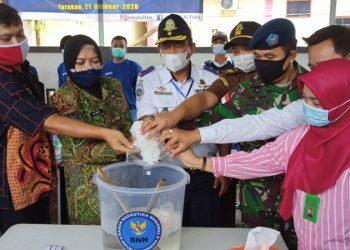 Pemusnahan Barang Bukti Narkotika Jenis Sabu - Sabu Oleh BNNP Kaltara, foto: Fokusborneo.com