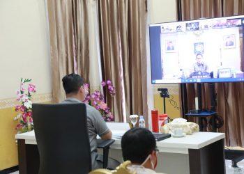 Pjs Gubernur KaltaraTeguh Setyabudi saat mengikuti Rakor terkait pilka bersama Kemendagri. Foto: Humas Pemprov Kaltara
