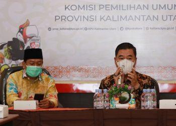 MENUJU 9 DESEMBER: Pjs Gubernur Kaltara Teguh Setyabudi saat bersilaturahmi dengan komisioner KPU dan Bawaslu Kaltara, Selasa (3/11). Foto : Humas Provinsi Kaltara