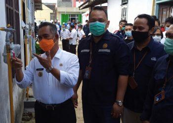 Gas In: Walikota Tarakan Khairul, PPK Dirjen Migas Yunando, dan Sales Representatif PGN Tarakan Bramantya. Foto: fokusborneo.com