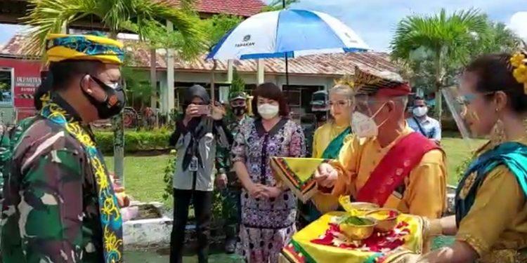 Panglima Komando Armada II, Laksda TNI I.N.G Sudihartawan Tiba di Kota Tarakan. Foto: Ist