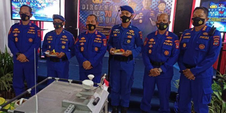 Kapolda Kaltara Irjen Pol Bambang Kristiyono, Wakapolda, Dit Polairud Polda Kaltara dan Jajaran Foto Bersama. Foto: fokusborneo.com