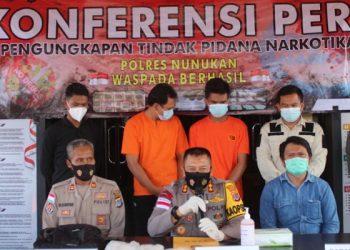Kapolres Tarakan AKBP Syaiful Anwar Gelar Konferensi Pers Pengungkapan Sabu - Sabu 2 Kilogram. Foto: ist