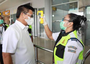 Gubernur Kaltara, Dr H Irianto Lambrie saat berada di Bandara Juwata Tarakan, belum lama ini. Foto : Humas Pemprov Kaltara