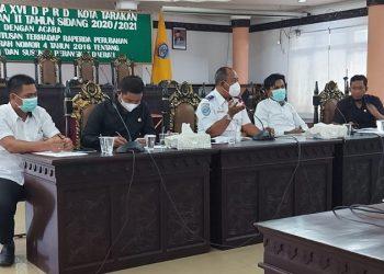Komisi I DPRD Kota Tarakan  fasilitasi pertemuan antara Bandara Juwata Tarakan dengan warga bahas masalah lahan di Kantor DPRD Kota Tarakan, Senin (18/1). Foto : istimewa