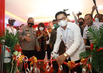 Gubernur Kaltara Dr. H Irianto Lambrie saat meresmikan Kantor BINDA Kaltara. Foto: Humas Prov Kaltara