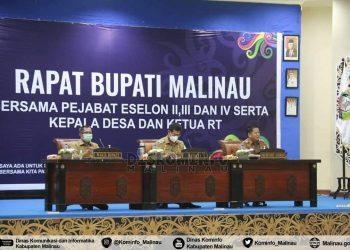 Bupati Malinau, Dr.Yansen TP, M.Si pimpin rapat dengan para pejabat Eselon serta Kepala Daerah dan Ketua RT. Foto: Diskominfo Malinau