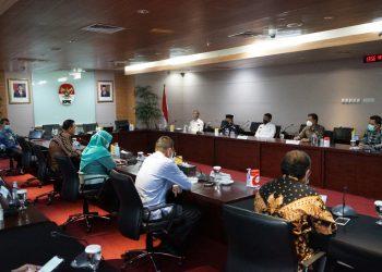 Gubernur Kaltara, Drs. H. Zainal Arifin Paliwang SH M.Hum saat bersilaturahmi dengan Ketua dan Pimpinan KPK RI . Foto: Istimewa