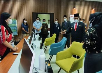 Gubernur dan Wakil Gubernur Kaltara melakukan sidak di Dinas Perizinan Terpadu Satu Pintu. Foto: Johan/ Media Relasi Ziyap