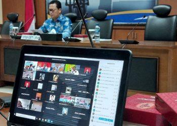 Wakil Ketua Komite II DPD RI Hasan Basri memimpin rapat dengar pendapat dengan Kementerian Perhubungan di ruang Majapahit Gedung DPD RI, Selasa (2/2). Foto : Istimewa