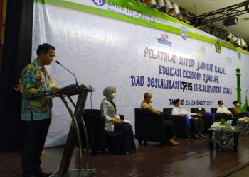 Kepala perwakilan Bank Indonesia Provinsi Kalimantan Utara, Yufrizal saat memberi sambutan dalam acara pelatihan sistem jaminan halal edukasi ekonomi syariah.