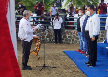 Ketua Umum Komisi Olahraga dan Rekreasi Masyarakat Indonesia (KORMI) Nasional Haryono Isman, melantik Wakil Gubernur (Wagub) Yansen sebagai Ketua KORMI Provinsi Kaltara.Foto: Diskominfo Kaltara