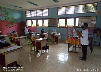 SD Negeri 001 Kabupaten Tana Tidung, saat melakukan simulasi pembelajaran tatap muka (PTM).Foto:Fokusborneo