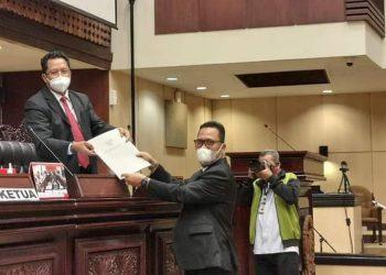 Wakil Ketua Komite II DPD RI Hasan Basri menyampaikan laporan kegiatannya kepada Pimpinan DPD RI, Senin (8/3). Foto : Istimewa