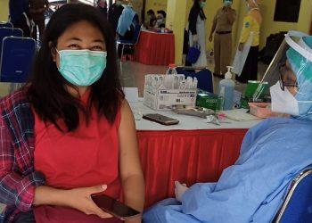 Salah Satu Awak Media di Tarakan Yang Mendapatkan Vaksin Covid-19 Dosis Kedua. Foto: fokusborneo.com