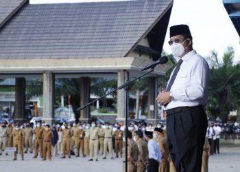 Wakil Gubernur Kaltara, Yansen TP memimpin apel pagi di lingkungan pemerintah Provinsi Kalimantan Utara.Foto:Diskominfo Kaltara