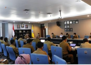 Wakil Gubernur Kaltara, Yansen TP memimpin rapat pembahasan rencana pembangunan jangka menengah daerah (RPJMD) Kaltara di  ruang rapat lantai 1 Kantor Gubernur Kaltara.Foto: Diskominfo Kaltara