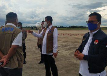 Wakil Ketua Komite II DPD RI Hasan Basri bersama Kepala BNPB Letjed Doni Moenardo. Foto : Istimewa