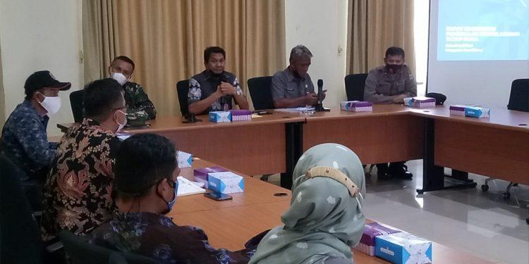 Rapat koordinasi Satgas Covid-19 bersama Dinas terkait yang di pimpin Sekretaris Daerah Said Agil, mengenai pembukaan pembelajaran tatap muka di Kabupaten Tana Tidung.Foto:Ist