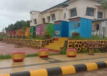 Beberapa kios yang terletak di Ruang Taman Terbuka (Samping Kantor PUPR) Kabupaten Tana Tidung . Foto: Fokusborneo