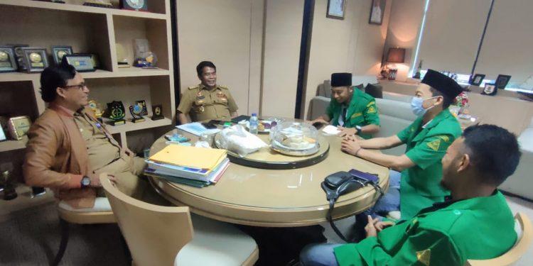 Gubernur Kaltara, Drs. H. Zainal Arifin Paliwang, saat menerima kunjungan dari GP Ansor Kaltara.Foto: Diskominfo Kaltara