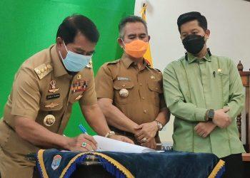 Gubernur Kaltara  teken perjanjian serah terima aset di Kantor Walikota