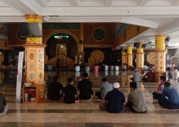 ASN Lingkungan KTT mengikuti kegiatan pembinaan iman dan taqwa (Imtaq) bertempat di Masjid At Taqwa.