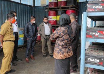 Anggota Komisi I DPRD Kota Tarakan bersama Dinas Lingkungan Hidup melakukan kunjungan ke PT. Idec Abadi Wood Industries. Foto : Istimewa