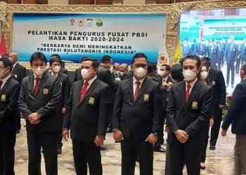 Hasan Basri resmi dilantik sebagai Dewan Pengawas Pengurus Pusat (PP) PBSI periode 2020-2024, Jumat (9/4). Foto : Istimewa