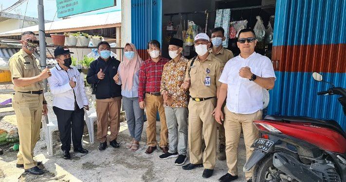 Anggota Komisi III DPRD Kota Tarakan tinjau jalan di RT 22 Karang Anyar Pantai, Senin (12/4). Foto  : Istimewa