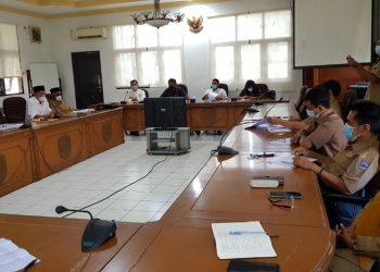 Rapat dengar pendapat Komisi I dan II bersama BKD, Disdik dan BPKAD Kota Tarakan di Kantor DPRD Kota Tarakan,  Selasa (13/4). Foto : Fokusborneo.com