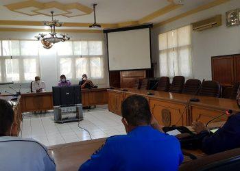 Rapat dengar pendapat Komisi II DPRD Kota Tarakan bersama PDAM Tirta Alam Kota Tarakan, Senin (19/4). Foto : Fokusborneo.com