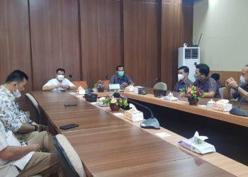 Komisi III DPRD Provinsi Kaltara melakukan kunjungan kerja ke PLN Tarakan, Kamis (22/4). Foto : Fokusborneo.com