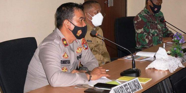 Bupati Bulungan, Syarwani mengikuti rapat koordinasi persiapan operasi ketupat di Ruang pertemuan Mapolres Bulungan.Foto: Humas Pemkab Bulungan