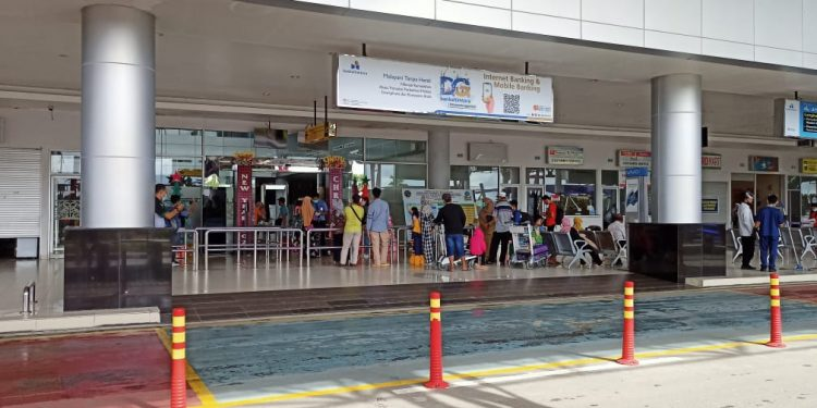 Penumpang maskapai di Bandara Juwata Tarakan.Foto: Fokusborneo