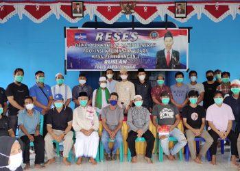 Anggota DPRD Prov.Kaltara Dapil KTT, Ruslan saat melaksanakan reses masa sidang II di Desa Sengkong Kabupaten Tana Tidung.Foto: Ist
